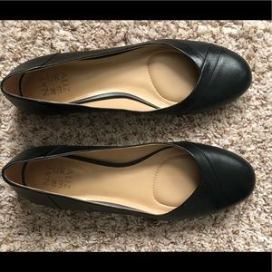 """Naturalizer """"gilly"""" leather flat"""